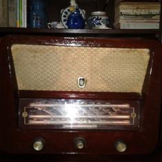 Radio TERTA 425 -pe lampi