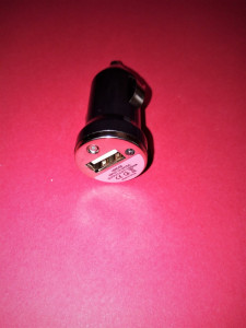 Alimentator bricheta auto cu mufa USB mama 5V-1A/incarcator auto 12V/24V