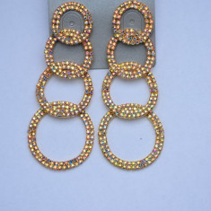 Cercei fashion cu cristale fine in diferite nuante, fixare cu surub (Culoare: ROSU)