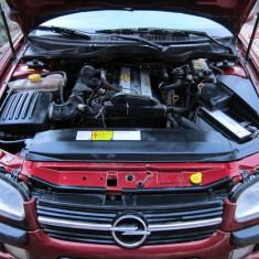 Opel Omega Autoturism bine intretinut pentru pretentiosi, An Fabricatie: 2000, Benzina, 140000 km, 1998 cmc