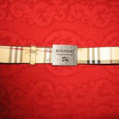Curea Burberry piele naturala, autentica - Curea Dama Burberry, Marime: 105cm, Culoare: Din imagine