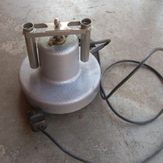 Centrifuga pentru 2 eprubete