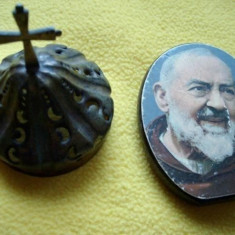Icoana lemn trandafir - PADRE PIO si fragment de candela veche din bronz (alama) - Icoana pe lemn