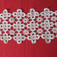Servetel laseta servetele vechi, mileu mileuri crosetate - decor case epoca