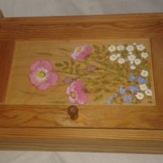 Caseta Cutie Veche suport pentru chei pictata manual