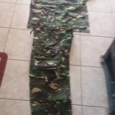 Vand tinuta militara marimea 48/II - Uniforma militara, Culoare: Verde
