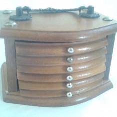 Set suporti vechi de pahare din lemn si pluta