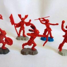 #1 Lot 6 figurine indieni plastic rosu, cca. 6cm, marcati TEXAS, diorama, decor