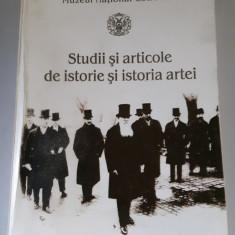 Studii si articole de istorie si istoria artei - Diana Fotescu, M. Constantin - Carte Istoria artei
