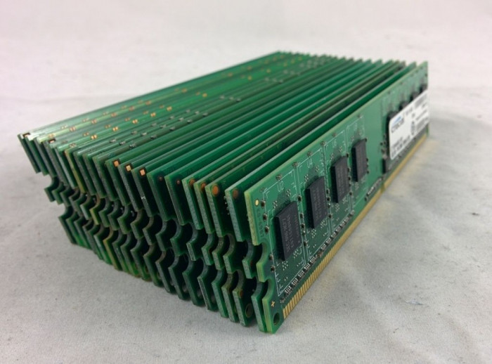 Memorie Ram 2 Gb DDR2 / 800 Mhz PC2-6400U / intr-un singur modul