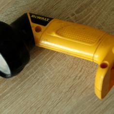 Lanterna DEWALT DW904 12-Volt Cordless - pivotanta