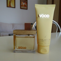 Apa de parfum DSQUARED2 She Wood 50ml + Lotiune de corp 100ml