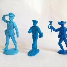 Lot 3 figurine plastic albastru soldati marimi diverse, colectie