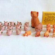 Lot figurine purcelusi, purcei, lemn si plastic, miniaturi, de la 2 cm-6cm