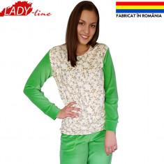 Pijama Dama Compleu Catifea Fabricata in Romania, Model Flori de Maslin, Cod 944