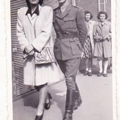 bnk foto -  Militar cu sotie - Oradea 1945