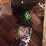 Xbox 360 Microsoft 250 gb cu 2 manse si 4 jocuri livrare gratuita
