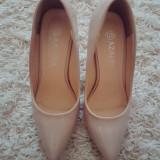 Pantofi stiletto nude 37