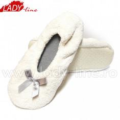 Papuci de Casa, Model White Fur, Culoare Alb, Papuci Interior (Culori: Alb, Marimi: 34-35) - Papuci dama