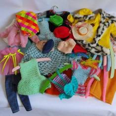 Set vintage de haine pentru papusi tip Barbie, cu umerase,