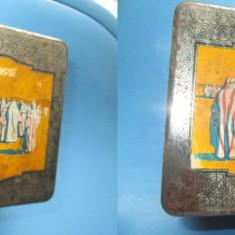 Cutie veche metal Ciagretten 50 SENOUSI Arabia. Desigm arab cu motive egiptene.