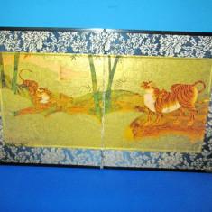 Aplica vintage deosebita stativ color foto cu Tigri in mediu natural. - Broderie