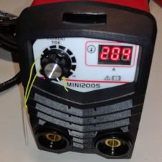 Aparat de sudura invertor EDON 200 MINI.