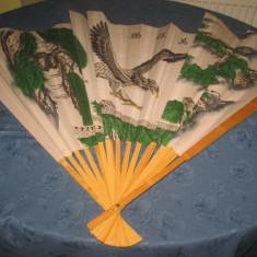 Evantai Mare China. Design natural frumos cu Vultur. - Broderie