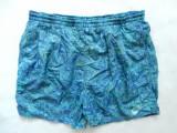Pantaloni scurti vintage Nike; marime M, vezi dimensiuni exacte; impecabili