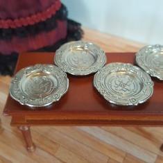 Farfurii metalice - set 4 buc - miniaturi papusi/colectionari