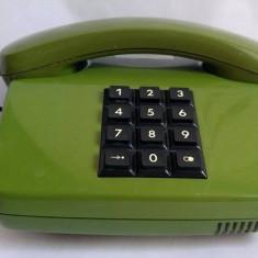 Telefon fix vechi, clasic, cu fir, receptor, butoane mari, anii '80 Romania