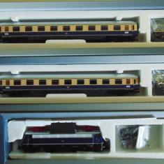 Set garnitura Ep.III cu Locomotiva tip E 10.3 + 2 vagoane, TT, Tillig - Macheta Feroviara Tillig, TT - 1:120, Seturi complete