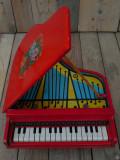 JUCĂRIE FOARTE VECHE CONFECȚIONATĂ DIN LEMN - PIAN PENTRU COPII - FUNCȚIONAL!, Pianina