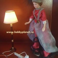 Lampadar elegant functional - miniatura papusi, colectionari