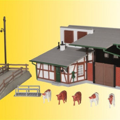 Grajd cu rampa incarcare animale H0 (1:87) KIBRI 39096 - Macheta Feroviara Kibri, Accesorii si decor