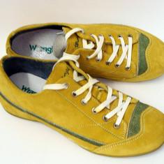 Pantofi sport din piele intoarsa si captusiti. - Tenisi barbati Wrangler, Marime: 40, Culoare: Mustar