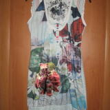 Rochie Desigual fond alb Mar 40/ 42 - Rochie de zi Desigual, Culoare: Multicolor, Fara maneca