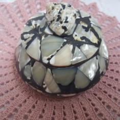 Frumoasa si delicata cutie bijuterii
