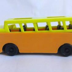 Masina / Masinuta autobus plastic, romaneasc, anii '80, colectie, 10x3x3.5cm