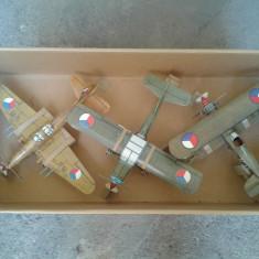LOT 3 MACHETE AVIOANE PAPER MODELL ASAMBLATE DEOSEBITE - Macheta Aeromodel Revell, 1:72