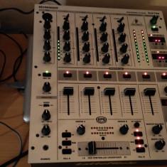 MIXER BEHRINGER DJX700 IMPECABIL - Mixere DJ