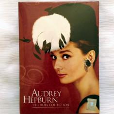 SET AUDREY HEPBURN: MIC DEJUN LA TIFFANY+VACANȚĂ LA ROMA+SABRINA (SIGILAT, RO) - Film Colectie, DVD, Romana