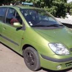 Renault scenic monovolum in stare perfecta de functionare, An Fabricatie: 2000, Benzina, 197500 km, 1600 cmc