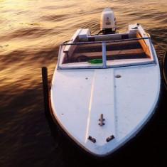 Barca fara motor