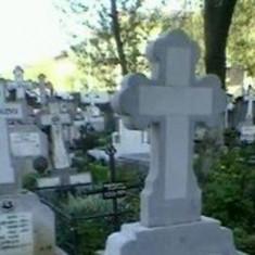Vand loc de veci cu doua locuri Cimitir Eternitatea Galati