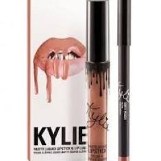 Ruj lichid mat Celebrity Skin Jeffree Star Kylie Dirty Peach