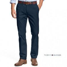 Pantaloni TOMMY HILFIGER - Regular FIT - CHINO PANTS - Pantaloni barbati Tommy Hilfiger, Marime: 33, 34, 36, Culoare: Bleumarin, Negru, Verde, Lungi