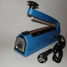 Masina pentru lipit si sigilat pungi si folii de plastic FS200