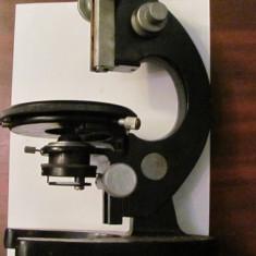 PVM - Corp microscop IOR Bucuresti vechi