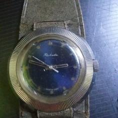 Ceas RACHETA,ceas vechi rusesc de colectie,model rar,curea originala de fabrica